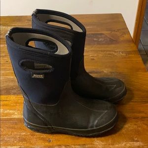 Bogs waterproof insulated boots. Size youth 6.